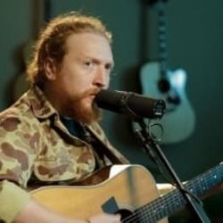 Tyler Childers guitar chords for Feathered indians