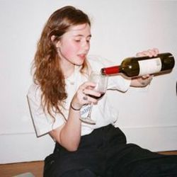 Clairo chords for Wine