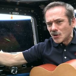 Chris Hadfield chords for Is somebody singing