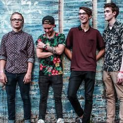 Hippo Campus chords for Simple seasons