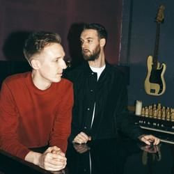 Honne guitar chords for Location unknown