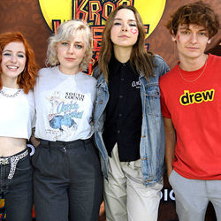 The Regrettes chords for More than a month