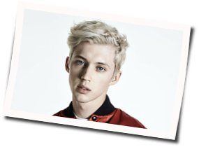 Troye Sivan chords for Lucky strike